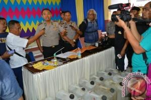 Polisi Tangkap Buronan Pengedar Narkoba Jaringan Seririt