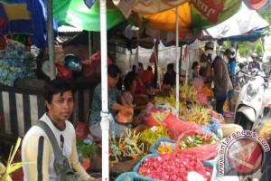 Warga Padati Pasar Singaraja Persiapan Hari Pagerwesi