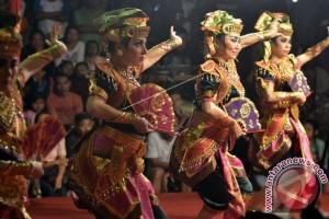 Seniman Jepang Tampil Di Pesta Kesenian Bali