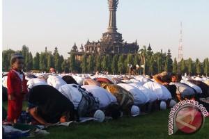 Khatib Ajak Umat Bangun Islam Dengan Ilmu
