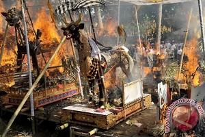 Wagub Bali Hadiri Ngaben Massal Di Buleleng