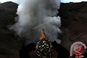 Wagub Bali Ajak Umat Tingkatkan Pengabdian