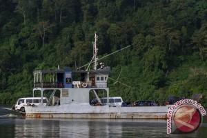 Ambulans Pembawa Peti Jenazah ke Nusakambangan