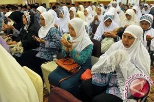 Wagub Sudikerta Lepas Jamaah Calon Haji (video)