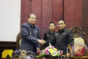 DPRD Gianyar Tetapkan RAPBD Perubahan Rp1,681 Triliun