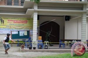 Teror Bom di Gereja Santo Yosep Medan, Pastor Terluka