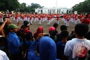 Pergantian Pasukan Paspampres Penjaga Istana