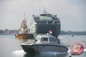53 ABK Kapal Perang Oman Berwisata Ke Bali