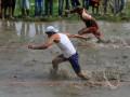 Lomba Lari Dalam Sawah