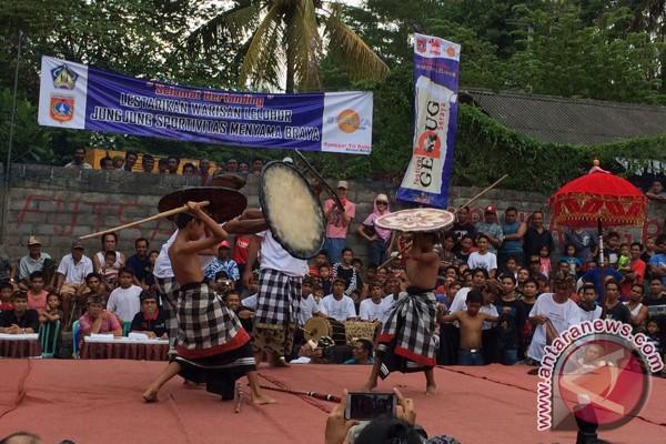 Festival Gebug Seraya Karangasem Selama Dua Hari