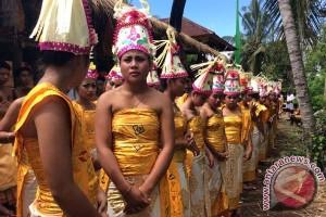 Desa Adat Komala Laksanakan Usaba Dangsil