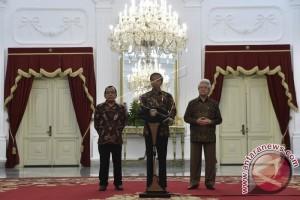 President Jokowi Expresses Deep Condolences Over Death of King Bhumibol