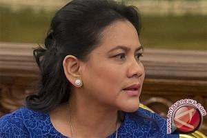 Ibu Negara Rapat di Kereta menuju Cirebon