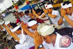 Fame Hotel Sunset Road Kuta Laksanakan Ritual Melaspas