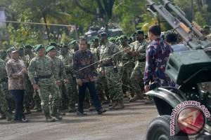 TNI AD dan AD Singapura adakan latma di Situbondo
