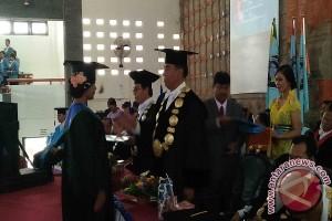 Undiksha Dorong Mahasiswa KKN Fasilitasi Pembangunan Desa