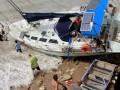 Perahu Wisatawan Australia Terdampar