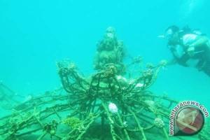 Menikmati Patung Dewa di Laut Pemuteran, Bali