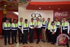 Menteri Perdagangan, Pariwisata, & Investasi Australia Kunjungi Pabrik Terbesar Coca-Cola