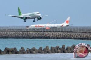 Menhub: Bandara Ngurah Rai Ditutup Jika Erupsi Meningkat