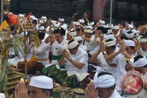 "Gubernur Bali Ikuti Prosesi Ritual ""Bhumi Sudha"""