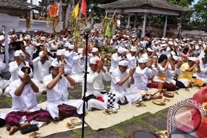 Upacara Wisudha Bhumi Di Pura Lempuyang