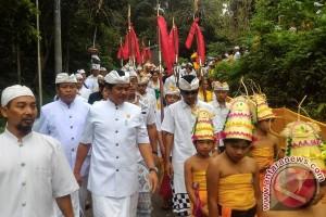 Wagub Bali: Jalankan Ritual Dengan Perilaku Suci