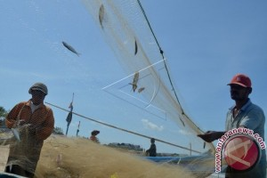 Badung Fishermen Receives Insurance Protection From Fisheries Ministry