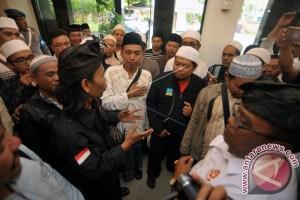 Ormas Laporkan Munarman Terkait Dugaan Fitnah Pecalang