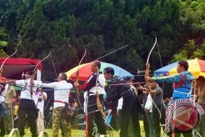 Presiden Jokowi Ikut Kejuaraan Panahan