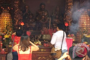 Ribuan Umat Khonghucu Rayakam Imlek Di Vihara Satya Dharma