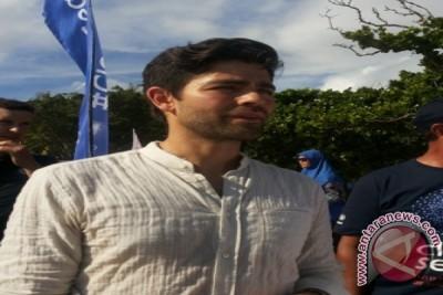 Aktor Hollywood Perangi Sampah Plastik Di Bali