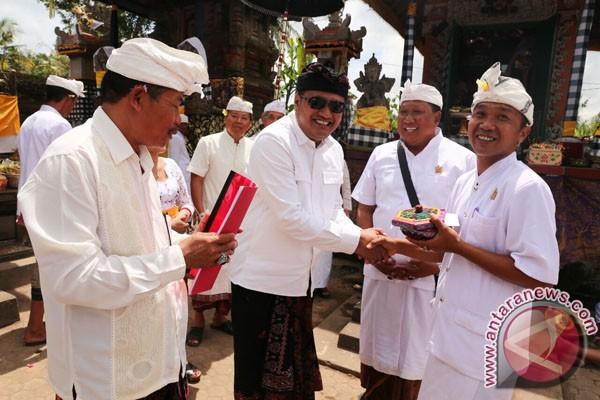 Menjunjung Semangat Menyama Beraya  Warga Madangan Kelod Ngaturang Yadnya