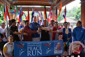 Utusan 40 Negara Ikut Lari Perdamaian Di Denpasar