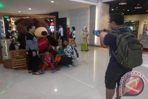 """Suasana  """"Valentine"""" di Bandara Ngurah Rai"""
