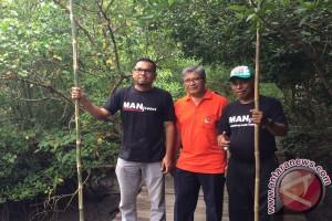Petugas BPILHL Lakukan Gerakan Kebersihan Di Tahura
