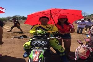 Pembalap Motocross Arya DP Berupaya Raih Impian