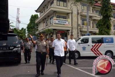 Menpan-RB Lakukan Inspeksi Pelayanan SIM di Gianyar