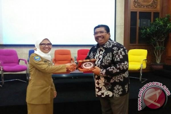 Pemkab Buleleng Studi Banding ke Bandung