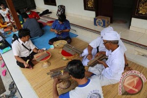Disbud Bali Rawat Ratusan Lontar Kuno Masyarakat