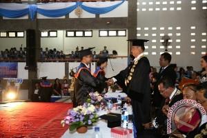 Undiksha Lepas 485 Wisudawan, Rektor: Lulusan Kami Punya Kualitas