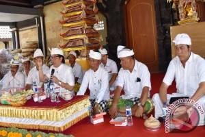 Bupati Badung Serahkan Sumbangkan Sukarela Rp500 Juta