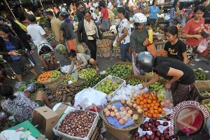 Pasar Tradisional di Bali Ramai Jelang Kuningan