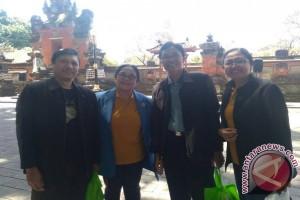 IGTKI Bali Serahkan Bantuan Kepada Korban Longsor Songan (video)