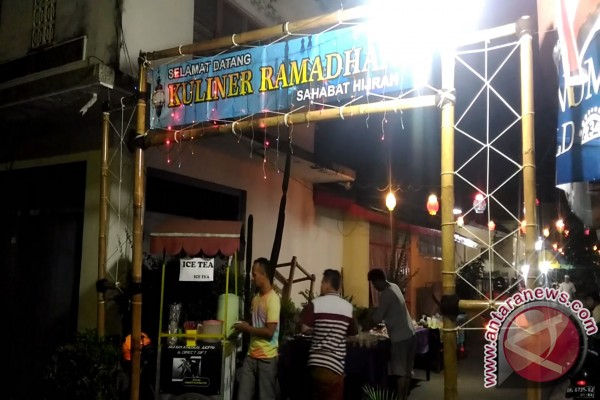 Pusat Kuliner Ramadhan Singaraja Ramai Pengunjung (video)
