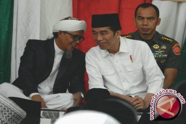 """Jokowi protes gambar """"hoax"""" dirinya dalam kampanye PKI 1955"""