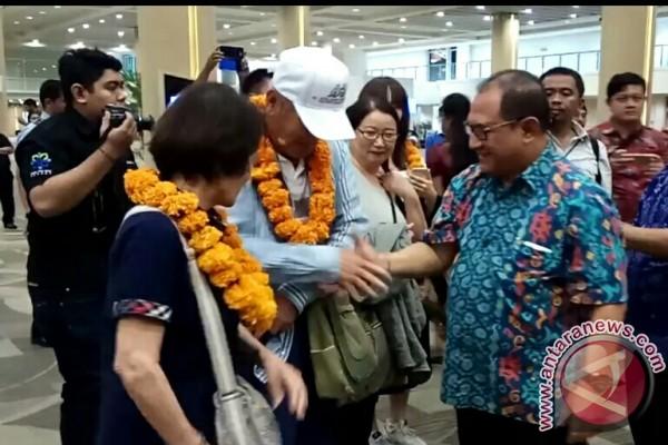 Turun, wisatawan Jepang dan Inggris  ke Bali