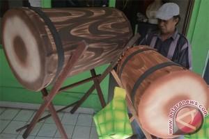 """Perajin Pernik Ramadhan Kuta Alami """"Banjir"""" Pesanan (Video)"""