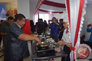 Pedagang Pasarkan Kuliner Khas Lokal di Buleleng Festival