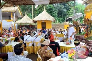 "Wagub Bali Apresiasi Semangat Warga Untuk ""Beryadnya"""
